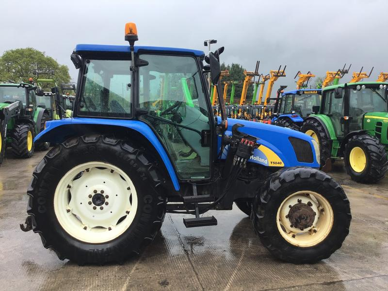 New Holland T5040 Tractor