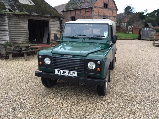 Land Rover 90 TD5 pick up