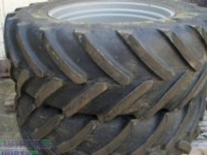 Michelin 4 Räder Multibib 650/65 R42 & 540/65 R34