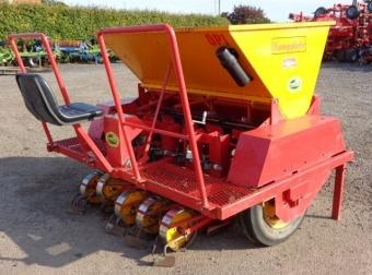 HIRE KONINGS 5 ROW ONION PLANTER