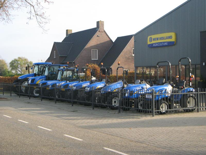 New Holland BOOMER 35 HST 4X4